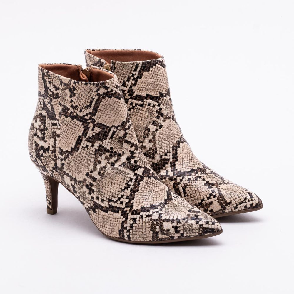 //www.lojaspaqueta.com.br//ankle-boot-bebece-snake-bege-2001069886/p